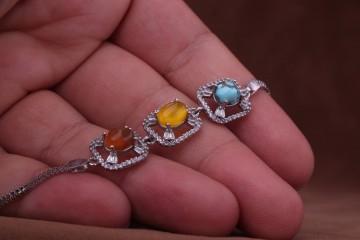دستبند جواهری سه نگین